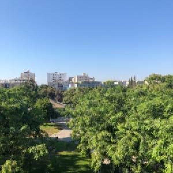דירת פנטהאוז למכירה בלב הפארק- התבור